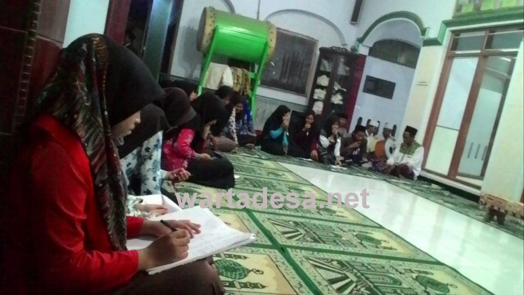 PAC IPPNU Wonokerto menggelar kegiatan Densus Aswaja di Masjid Hidayatullah, desa Semut (15/10). Foto Wahidatul Maghfiroh/wartadesa