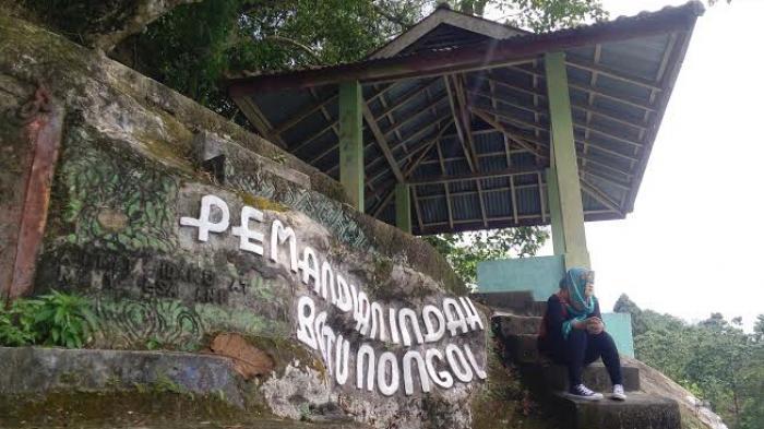 Jalan Menuju Objek Wisata Batu Nongol Hancur Warta Desa