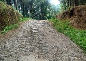 jalan rusak