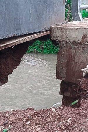 belum difungsikan jembatan ambrol