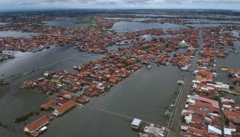 foto udara banjir pekalongan (antara)